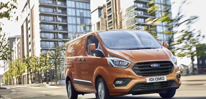 2018 Makyajlı Ford Transit Custom Tanıtıldı